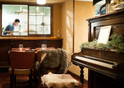 dining_room_piano_shot